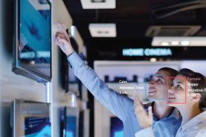 AI Kết Hợp Với Digital Signage Giúp Tăng Trải Nghiệm Khách Hàng